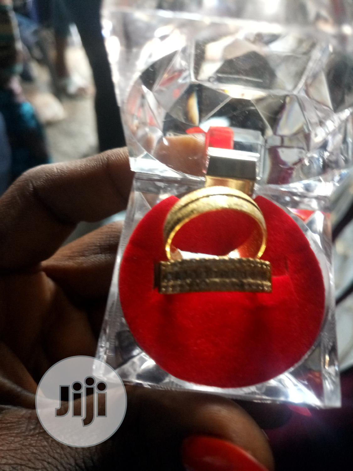 Archive: Classic Wedding Rings