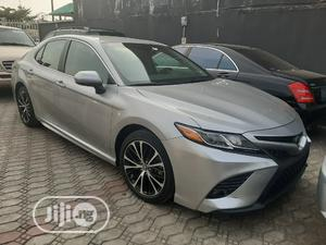 Toyota Camry 2018 SE FWD (2.5L 4cyl 8AM) Silver   Cars for sale in Lagos State, Amuwo-Odofin