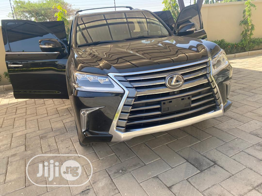 Archive: New Lexus LX 2019 570 Three-Row Black