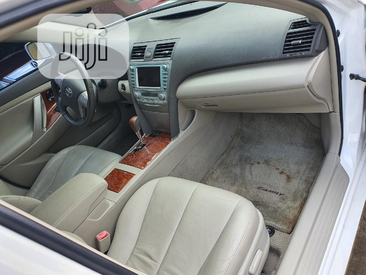 Toyota Camry 2009 White | Cars for sale in Surulere, Lagos State, Nigeria