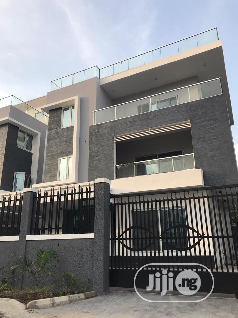 Brand New Fully Fitted 5 Bedroom Apartment With a Study