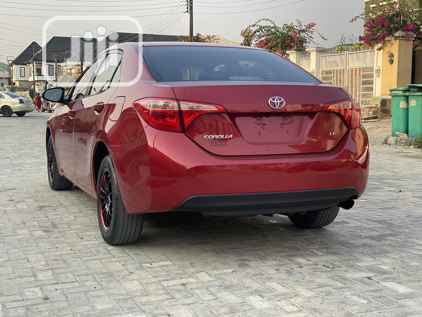 Toyota Corolla 2017 Red