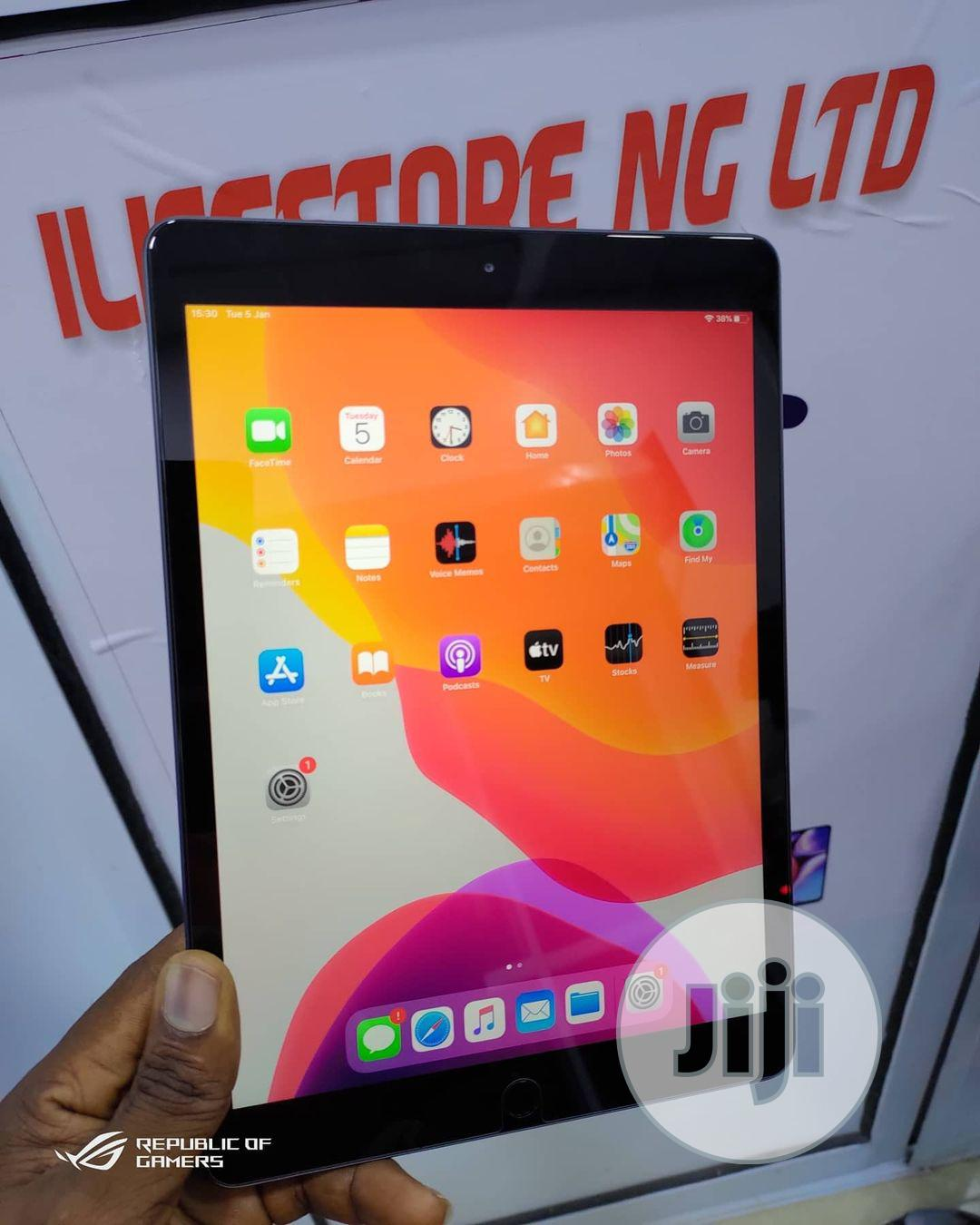 Apple iPad 10.2 (2019) 32 GB Gray