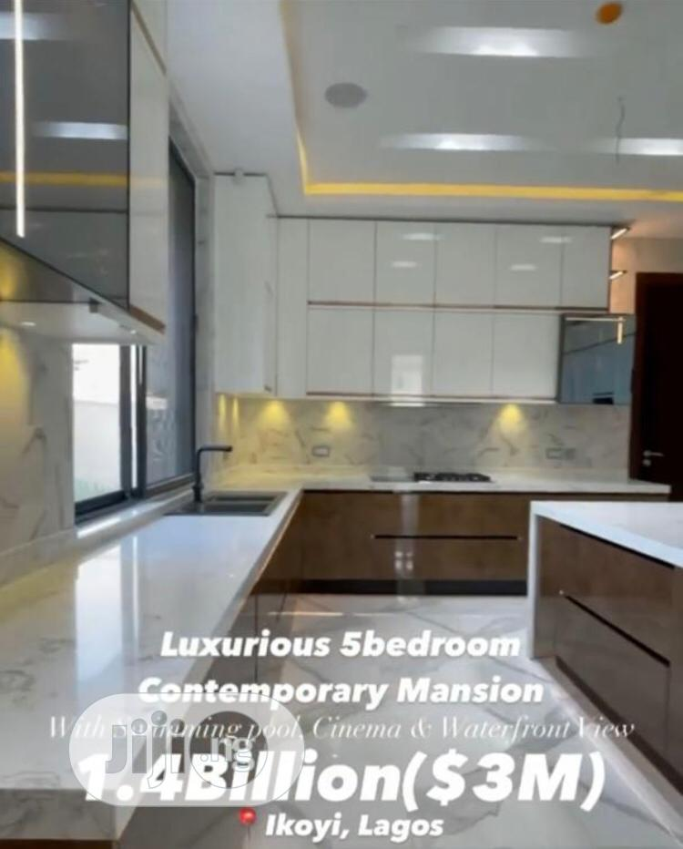 Fully Detached Automated 5 Bedroom Contemporary House