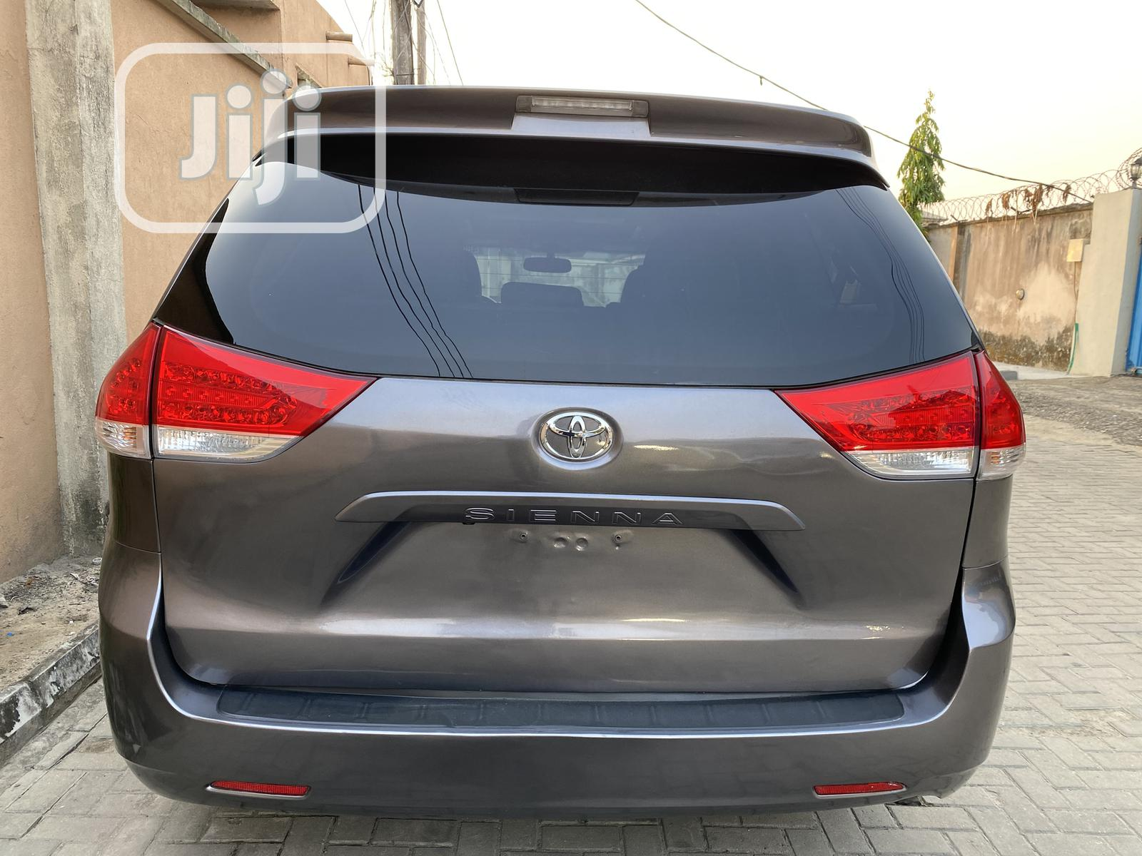 Toyota Sienna 2011 Gray   Cars for sale in Lekki, Lagos State, Nigeria