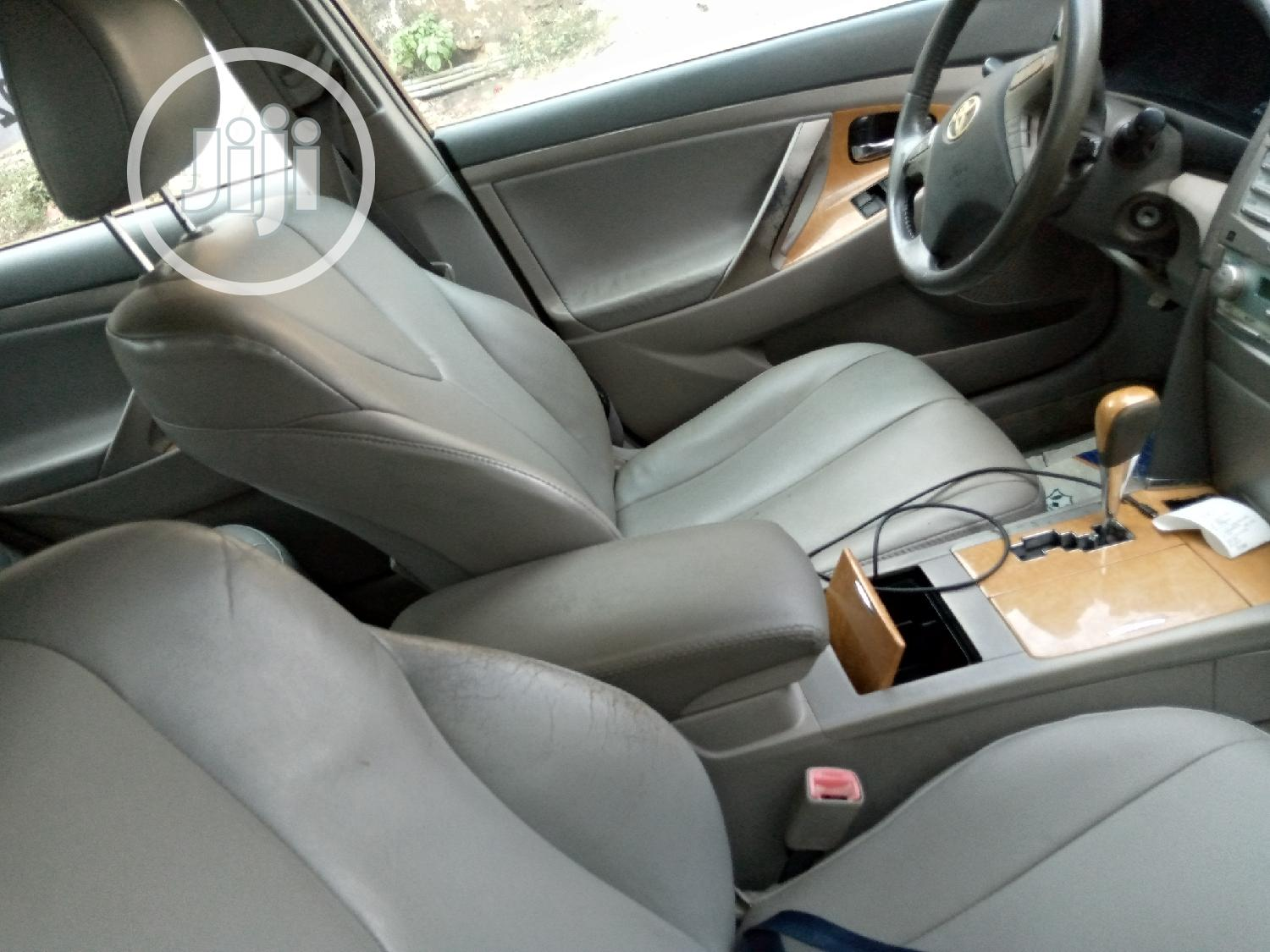 Archive: Toyota Camry 2008 2.4 XLE White
