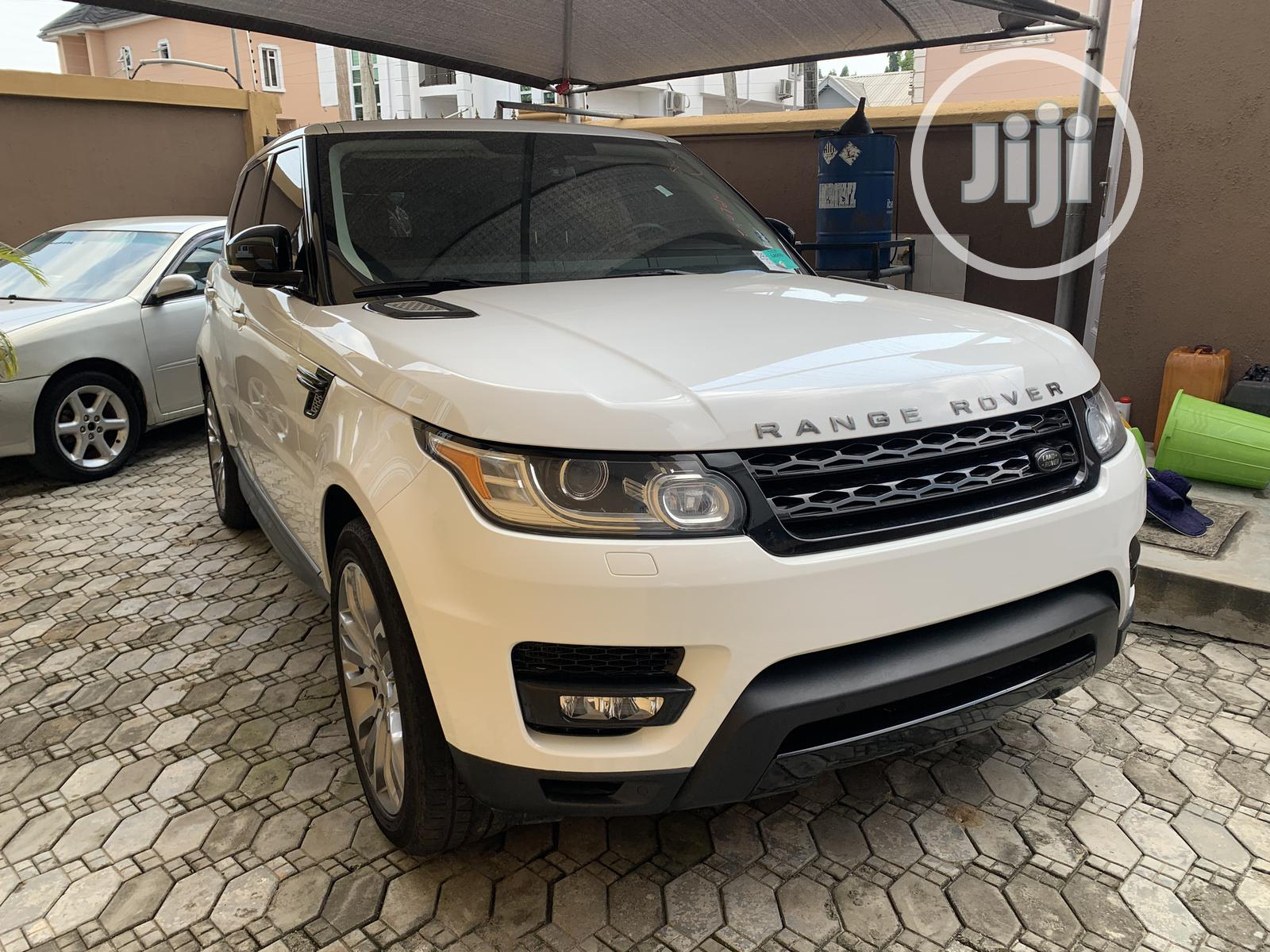 Archive: Land Rover Range Rover Sport 2014 White
