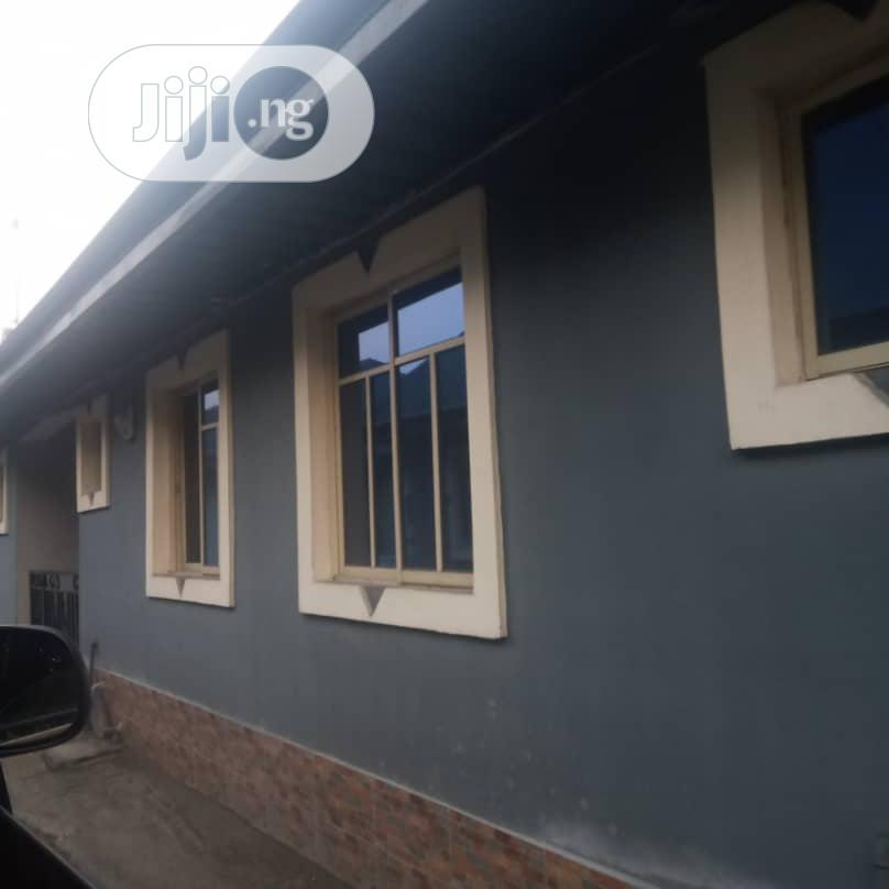 Archive: Neat 2 Bedroom Flat for Rent in Woji PHC