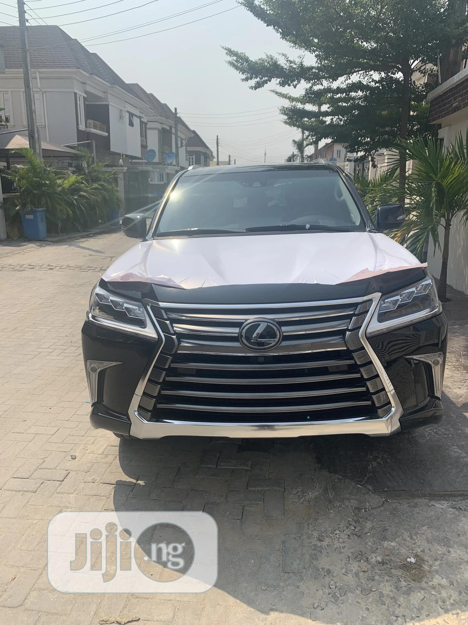 Archive: Lexus LX 2019 570 Three-Row Black