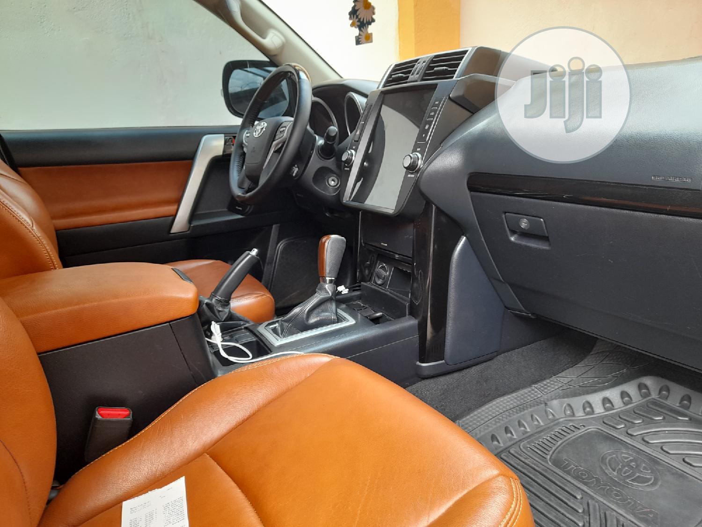 Archive: Toyota Land Cruiser 2019 Black