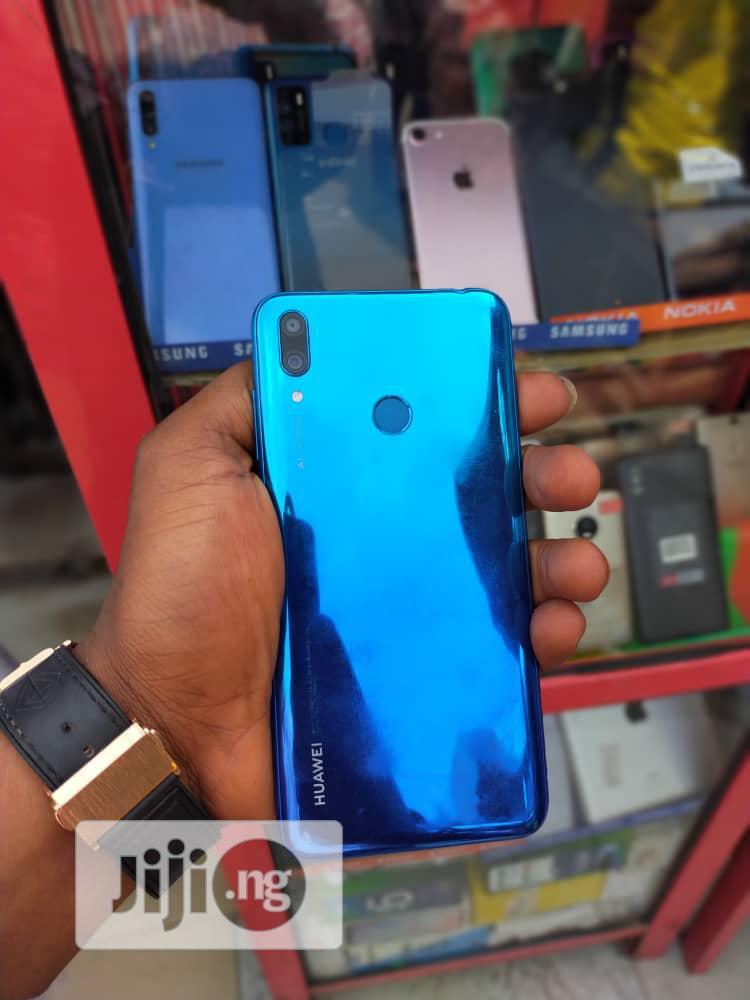 Archive: Huawei Y7 Prime 32 GB Blue