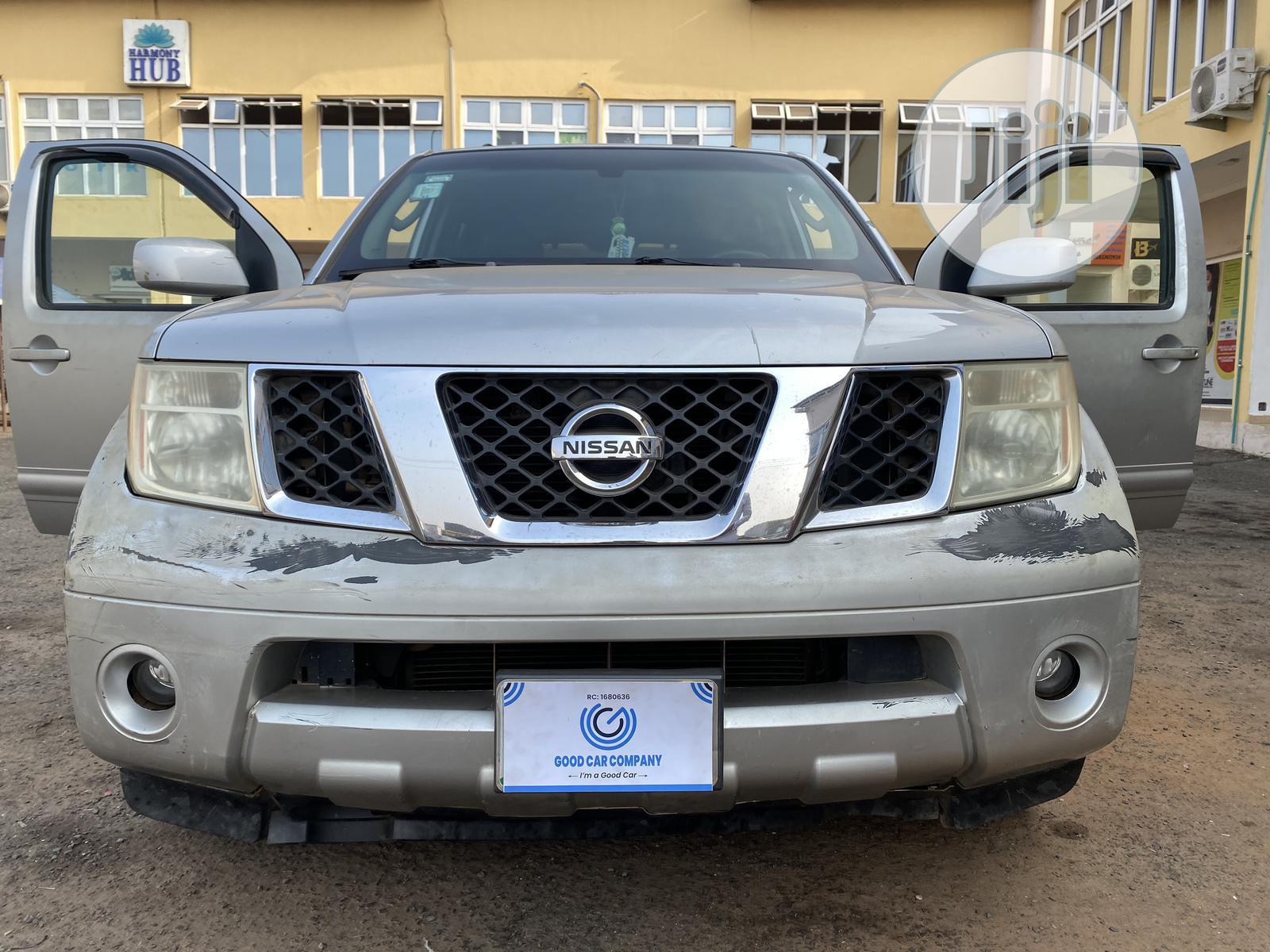 Nissan Pathfinder 2005 Silver