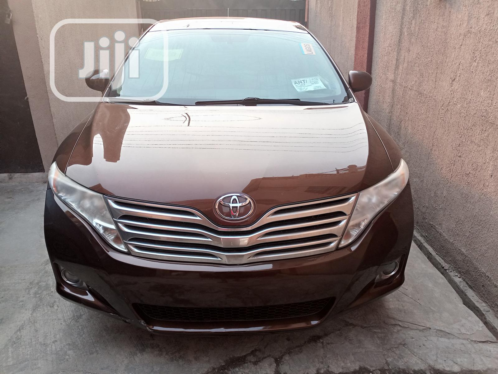 Archive: Toyota Venza 2009 Brown