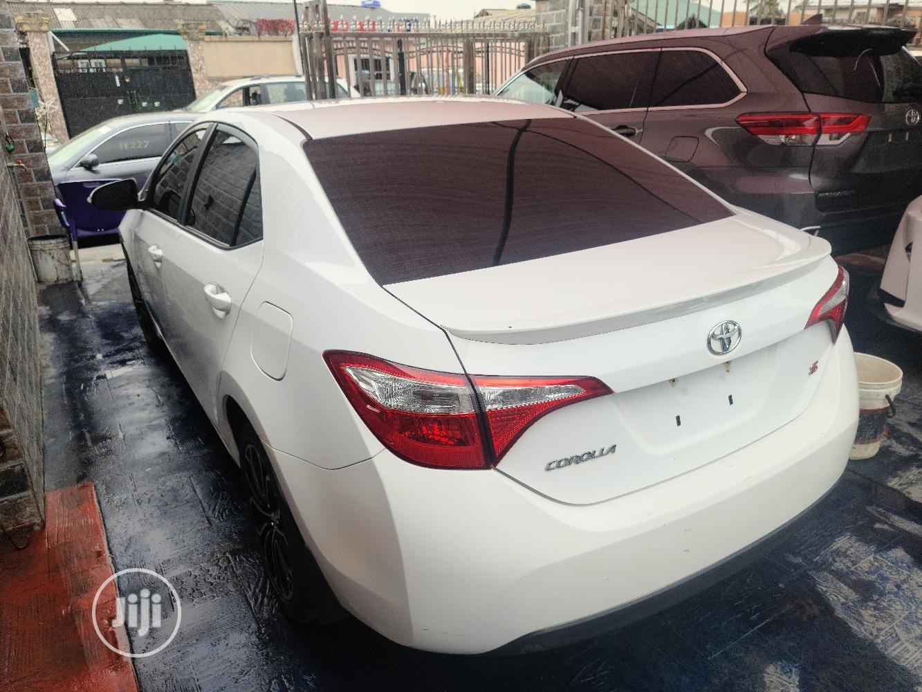 Toyota Corolla 2014 White | Cars for sale in Surulere, Lagos State, Nigeria