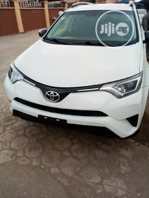Toyota RAV4 2016 LE AWD (2.5L 4cyl 6A) White | Cars for sale in Lagos State, Isolo