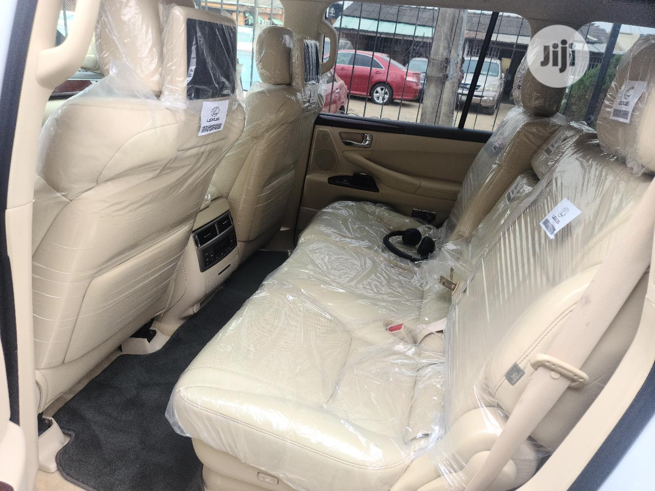 Lexus LX 2015 570 Base White | Cars for sale in Surulere, Lagos State, Nigeria