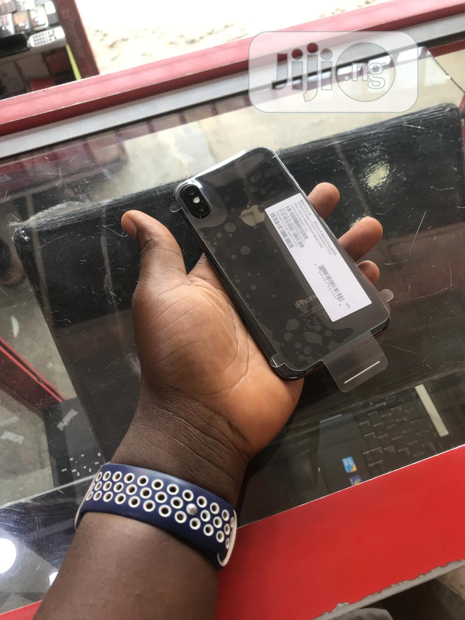 Archive: Apple iPhone X 64 GB Black