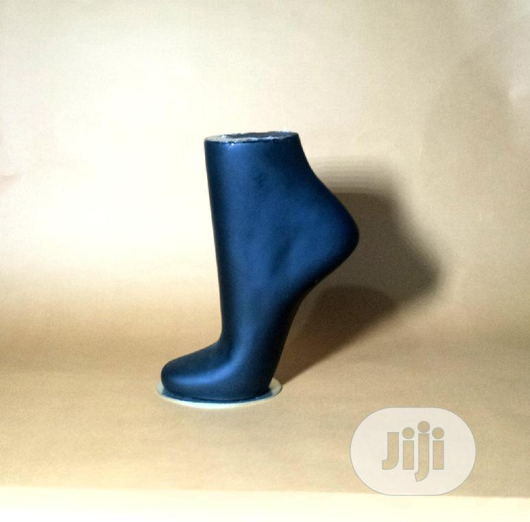 Archive: Portable Female Mannequin For Leg Chain Display