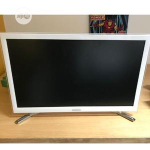 22 Inch Samsung Smart Full HD LED TV - London Used | TV & DVD Equipment for sale in Lagos State, Ojo
