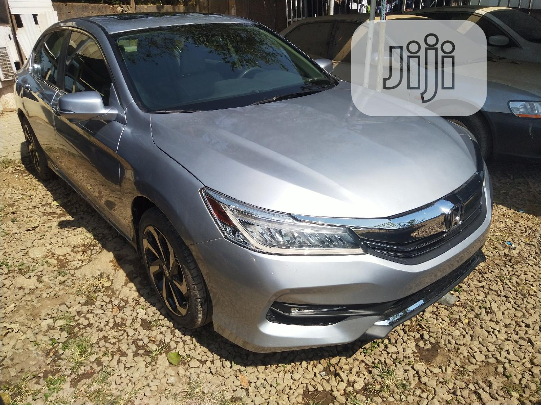 Archive: Honda Accord 2015 Silver