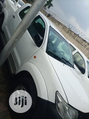 Toyota Hilux 2013 SR 4x4 White | Cars for sale in Lagos State, Kosofe