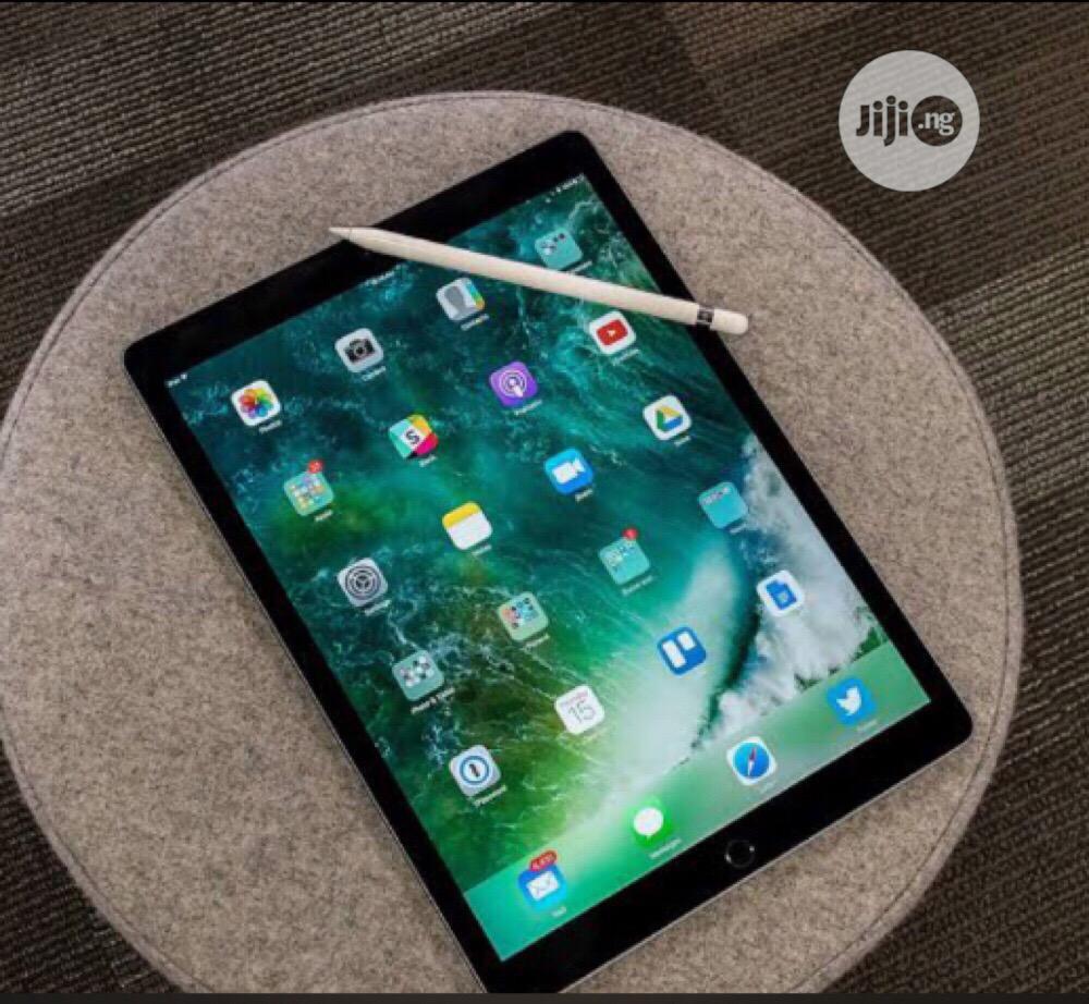 Archive: Apple iPad Pro 12.9 (2015) 128 GB