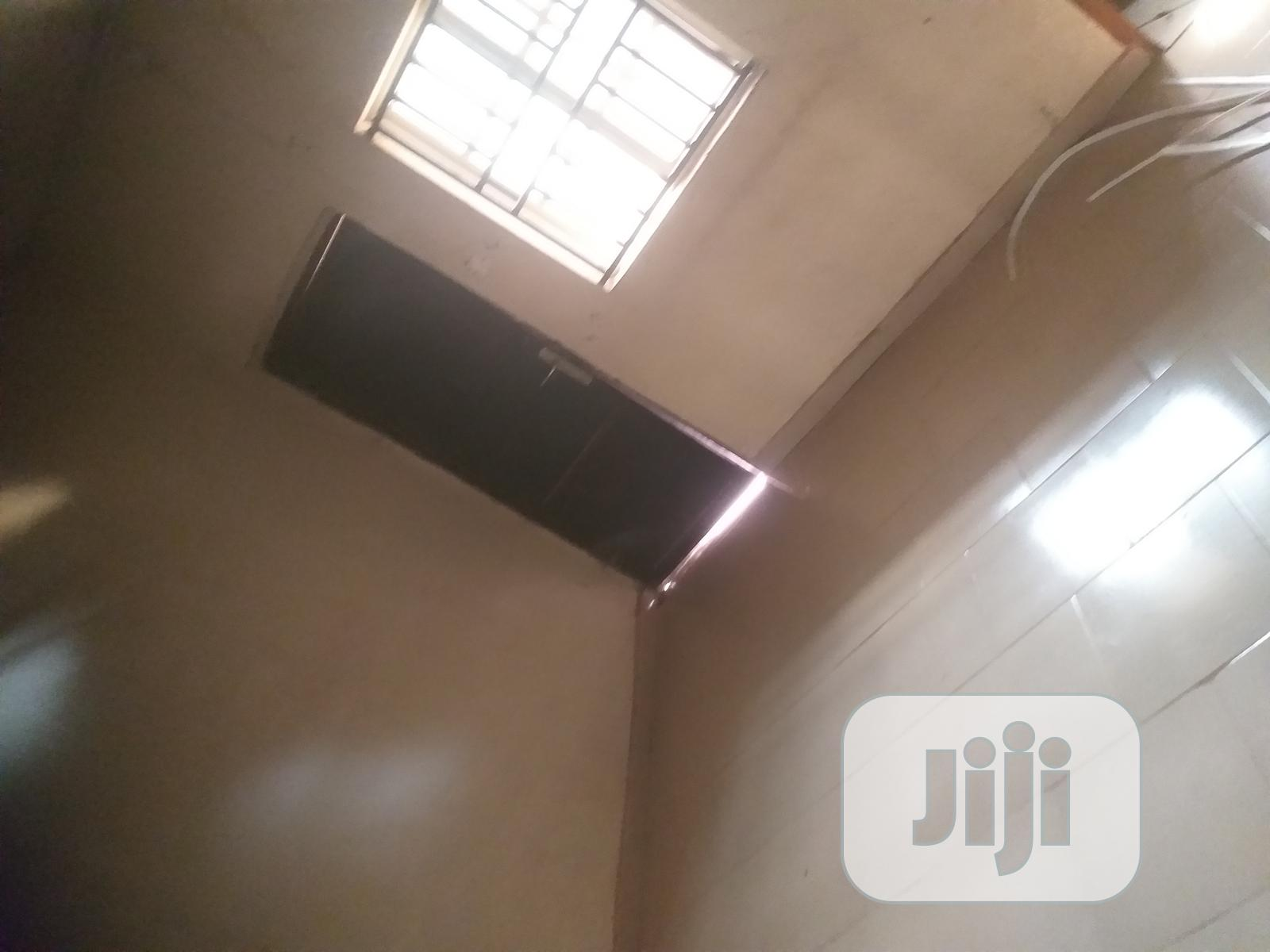 Available 3bedroom Flat for Rent With 4 Toilets | Houses & Apartments For Rent for sale in Nkanu East, Enugu State, Nigeria