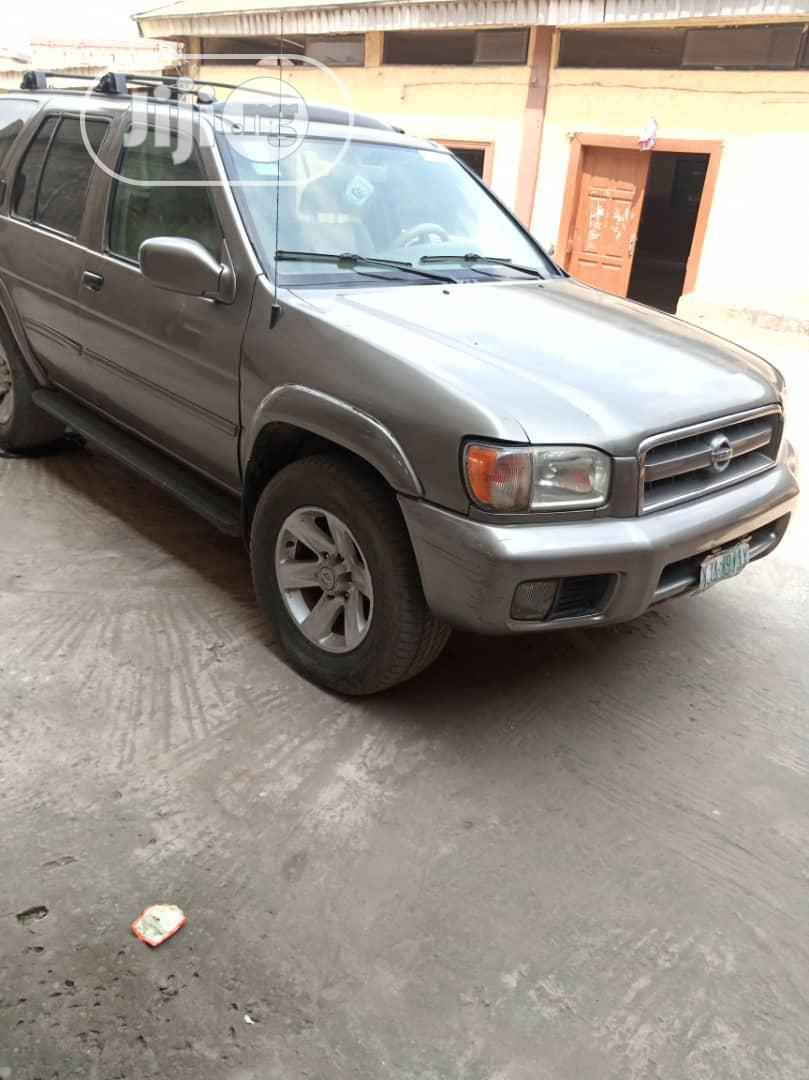 Archive: Nissan Pathfinder 2003 LE AWD SUV (3.5L 6cyl 4A) Gray