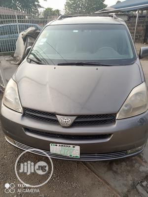 Toyota Sienna 2005 XLE Gray   Cars for sale in Lagos State, Surulere