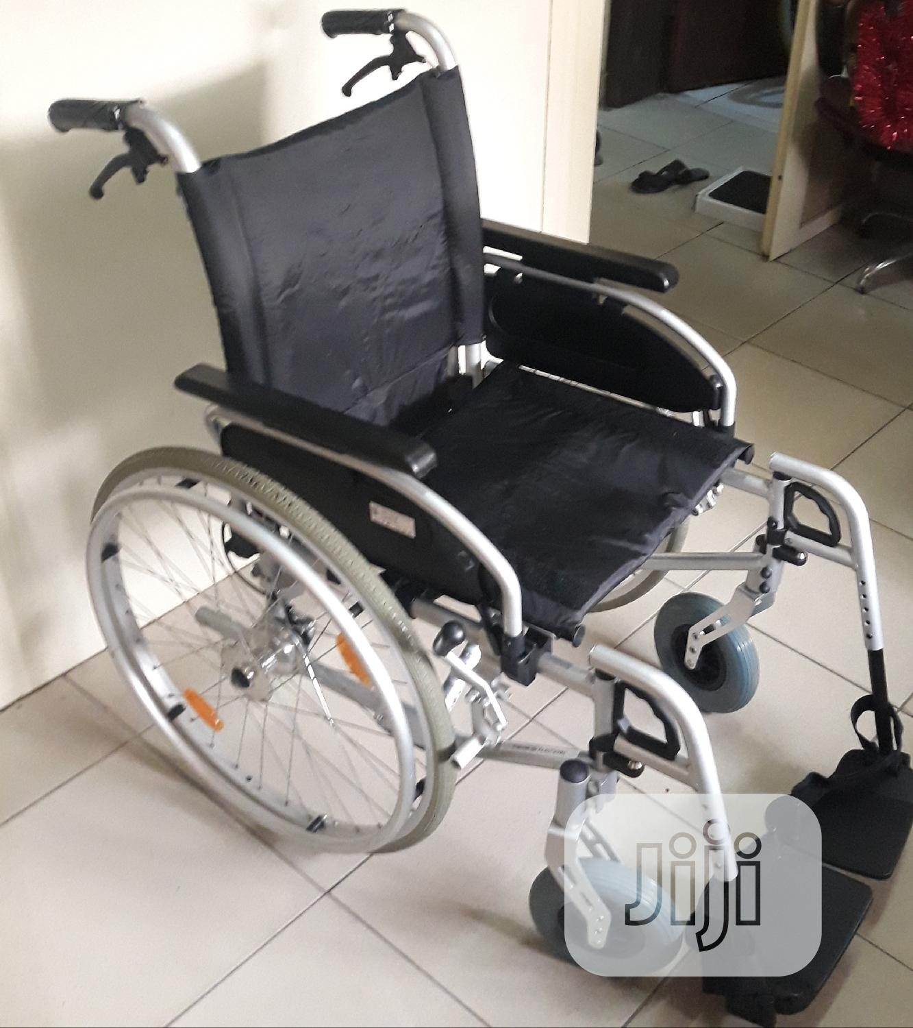 Archive: Foldable Wheelchair