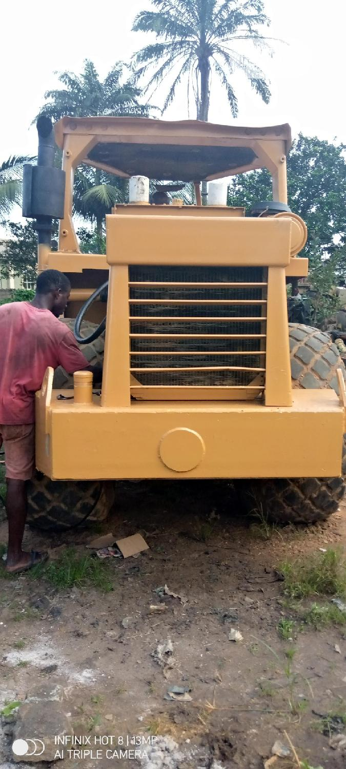 Clean 25tons Road Roller 2010 Yellow For Sale | Heavy Equipment for sale in Port-Harcourt, Rivers State, Nigeria