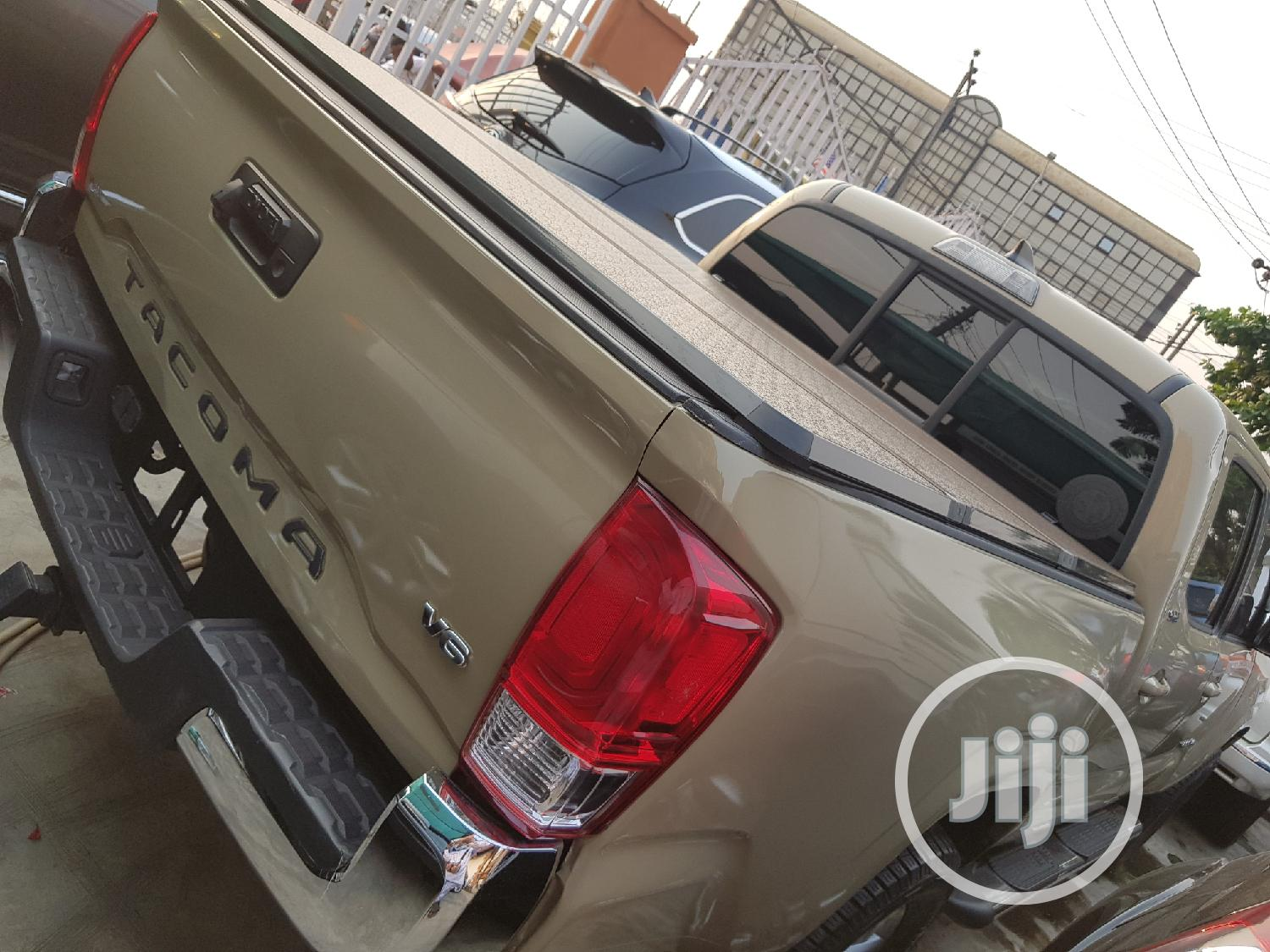 Toyota Tacoma 2016 4dr Double Cab Beige   Cars for sale in Ifako-Ijaiye, Lagos State, Nigeria
