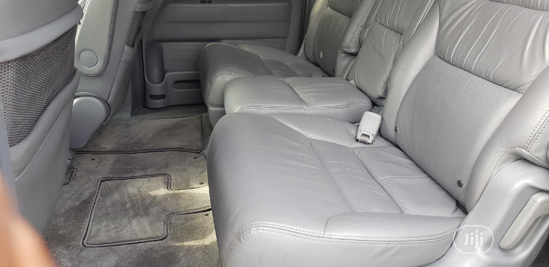 Archive: Honda Odyssey 2005 Touring Blue