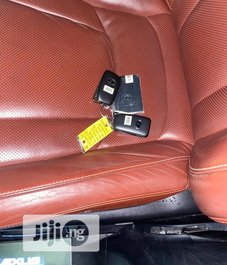 Archive: Lexus LX 2018 570 Three-Row Blue