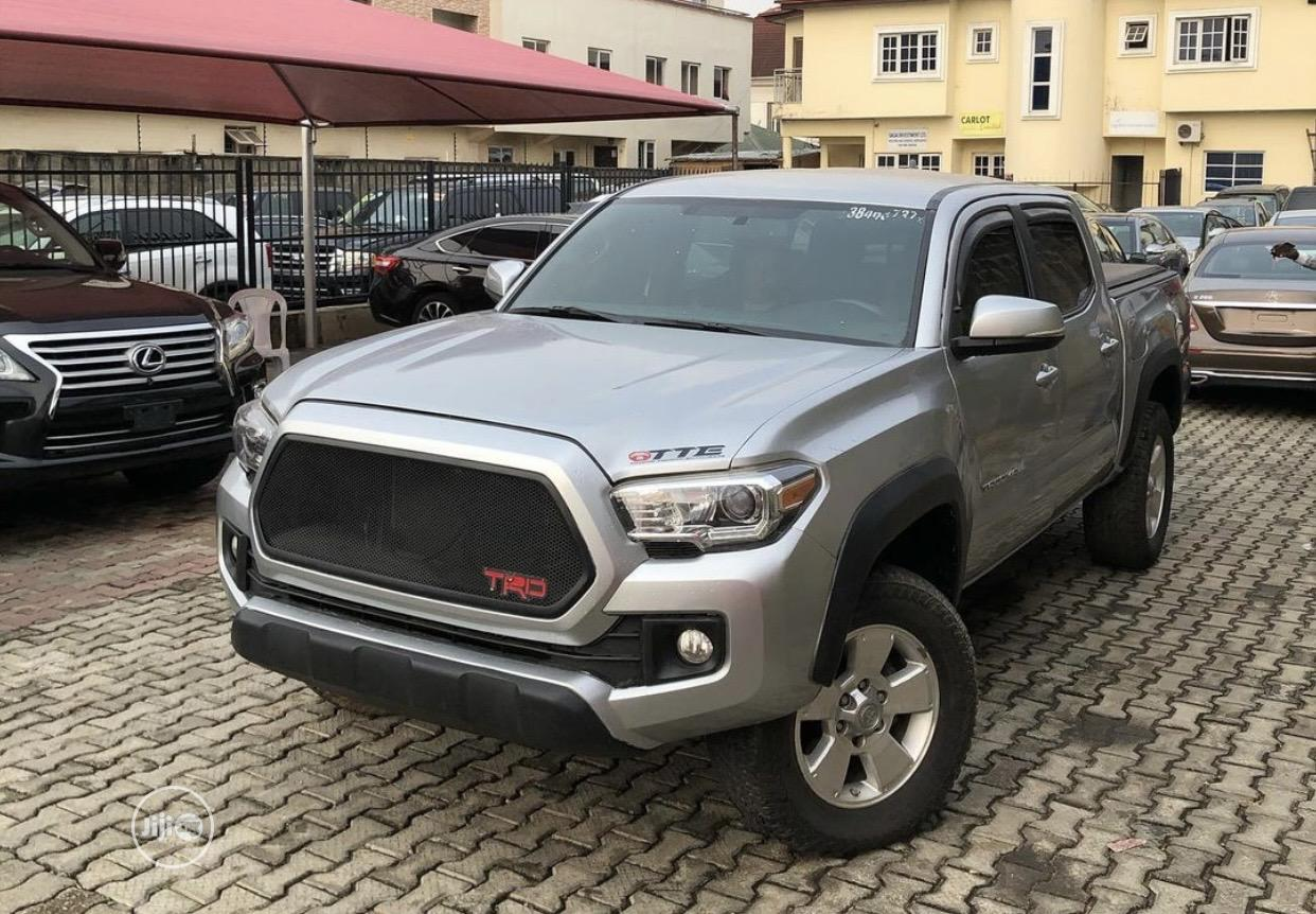 Archive: Toyota Tacoma 2016 4dr Double Cab Silver