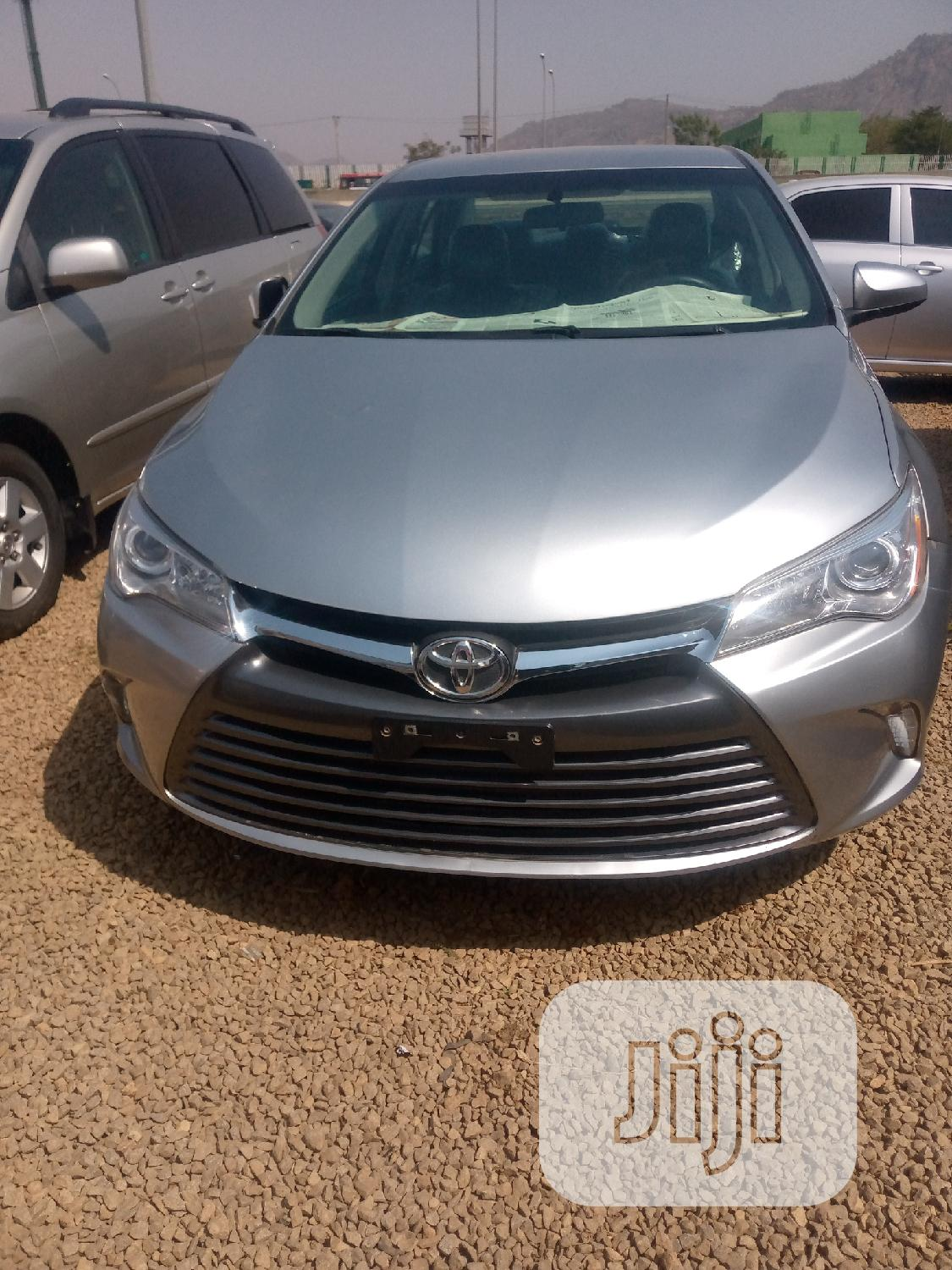 Archive: Toyota Camry 2014 Silver