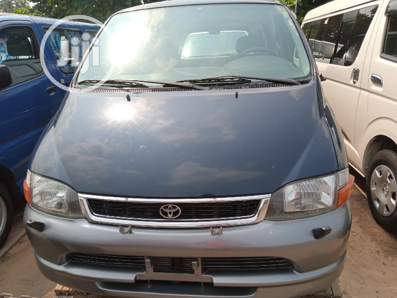 Toyota Hiace Bus Short Frame 1999