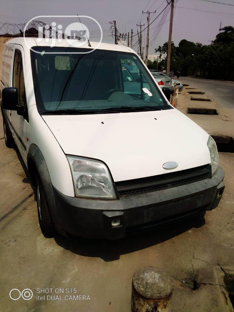 Clean Ford Transit 2004 White | Buses & Microbuses for sale in Ikeja, Lagos State, Nigeria