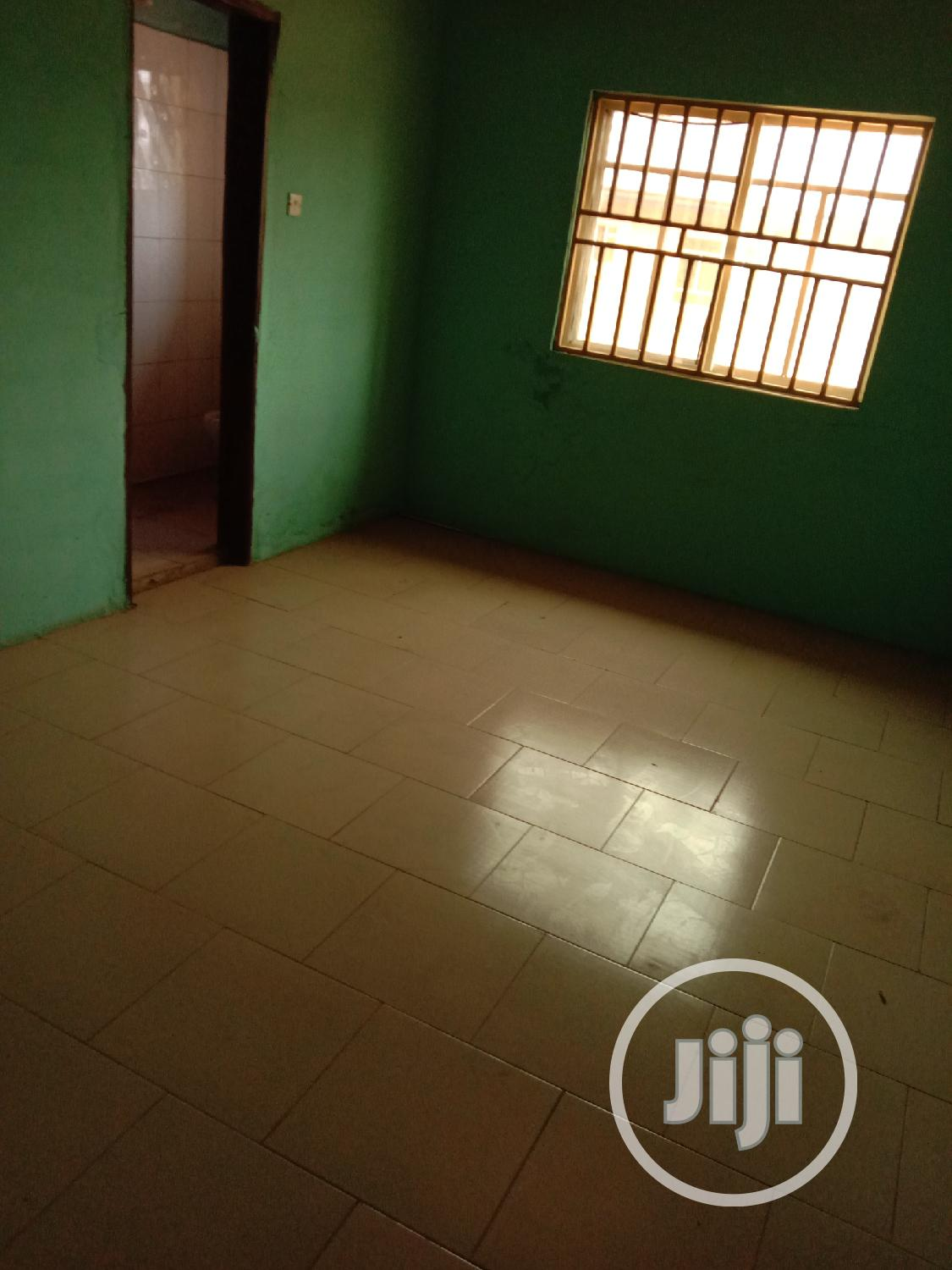 4 Bedroom Flat With 4 Toilets To Let In Independence L/O | Houses & Apartments For Rent for sale in Enugu / Enugu, Enugu State, Nigeria