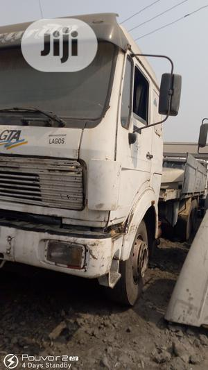 Mercedes Benz Truck Tokunbo 25fit 2000 White For Sale | Trucks & Trailers for sale in Lagos State, Amuwo-Odofin