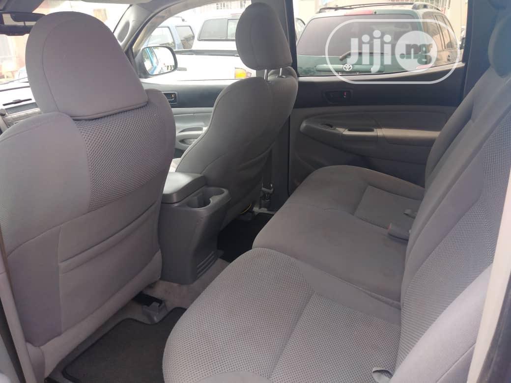 Toyota Tacoma 2012 Double Cab V6 Automatic Blue | Cars for sale in Ikeja, Lagos State, Nigeria
