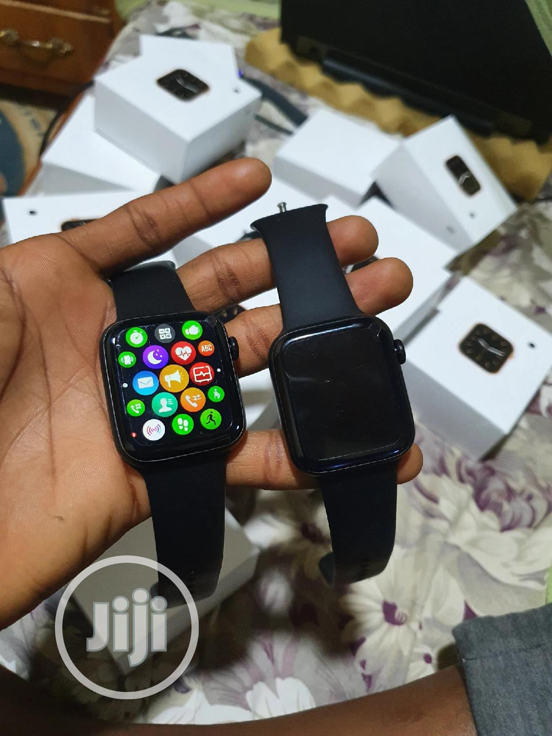 Clone Apple Watches