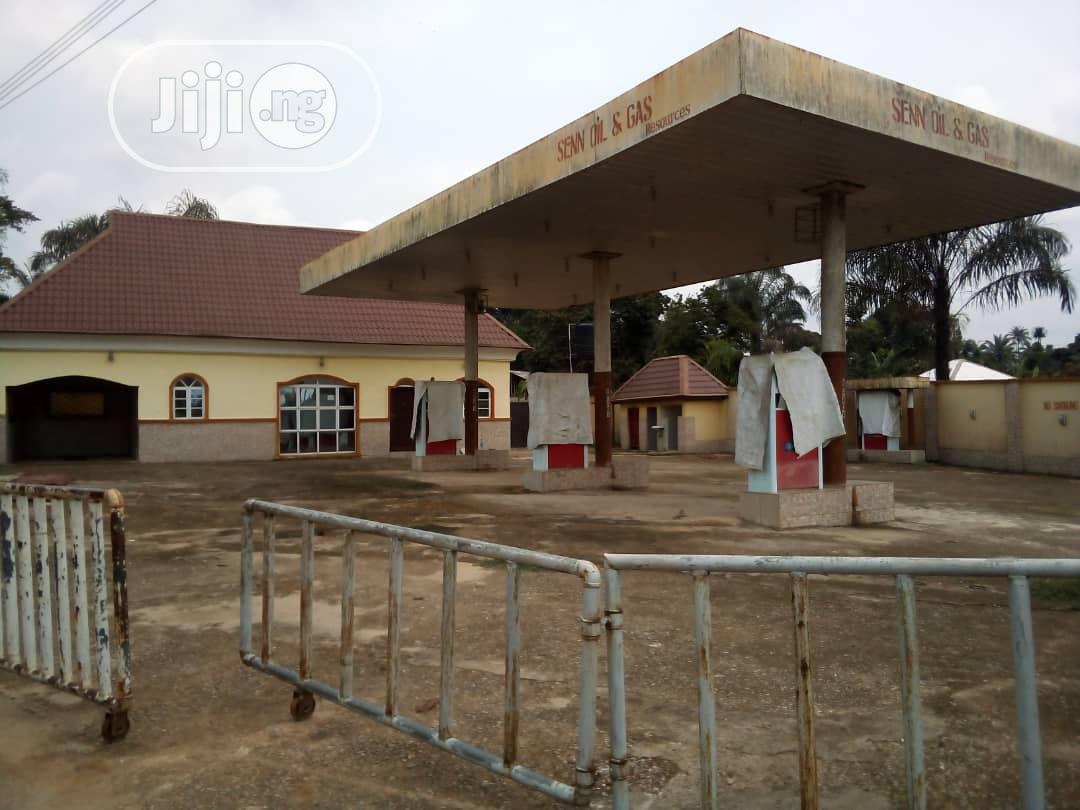 Archive: 7 Pump Filling Station for Sale at 70 Million