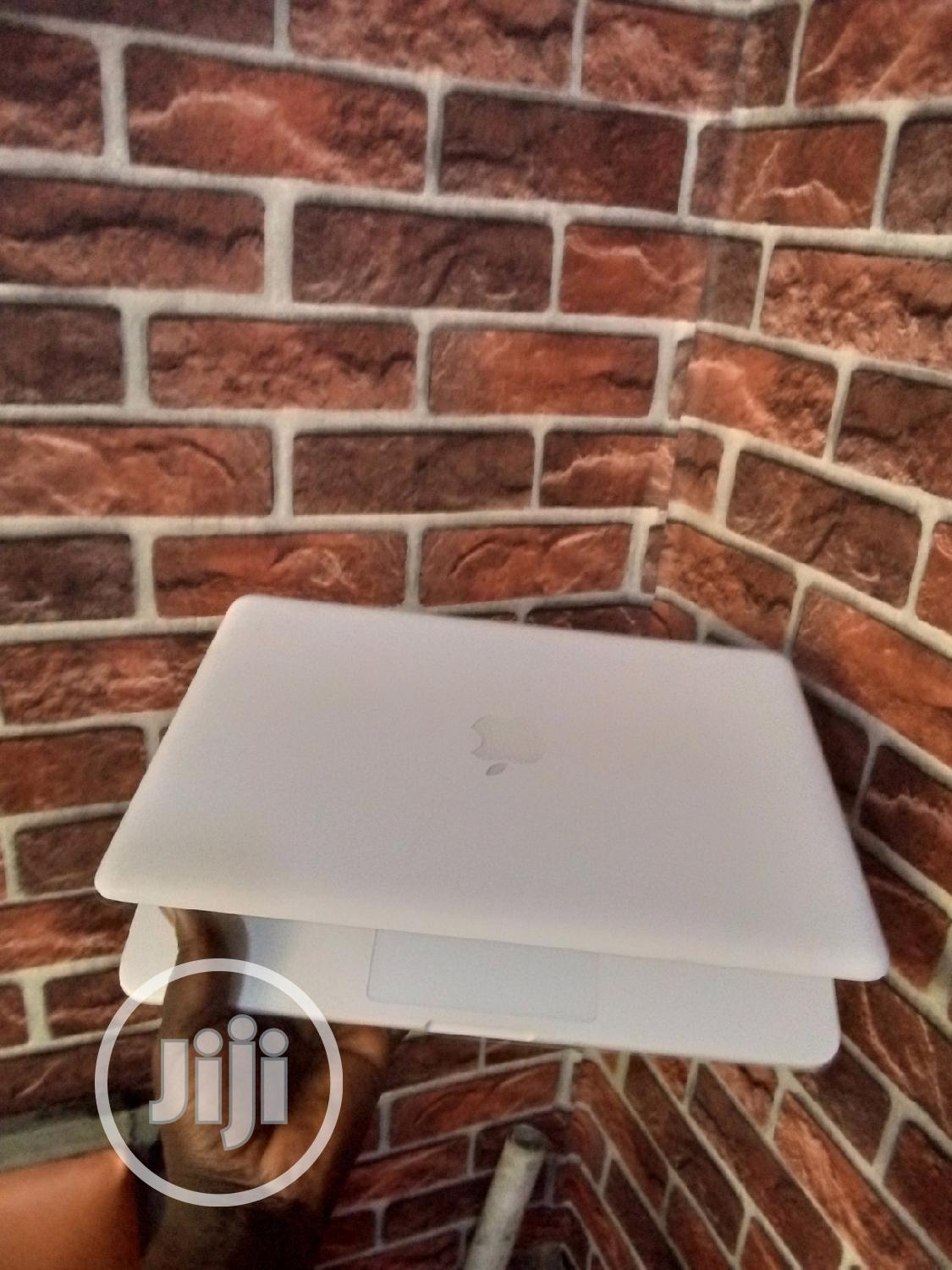 Laptop Apple MacBook 4GB Intel Core 2 Duo HDD 250GB | Laptops & Computers for sale in Ikeja, Lagos State, Nigeria