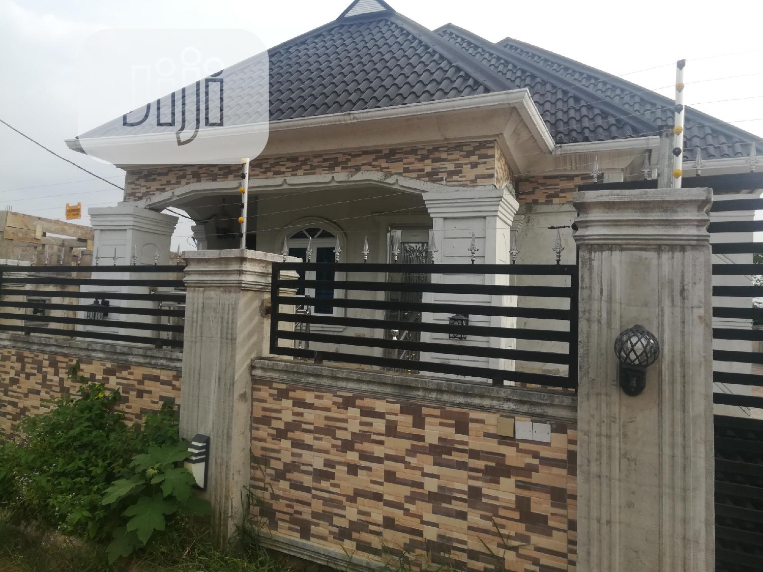 Three Bedrooms and Two Self Contain Bungalow | Houses & Apartments For Sale for sale in Sapele, Delta State, Nigeria