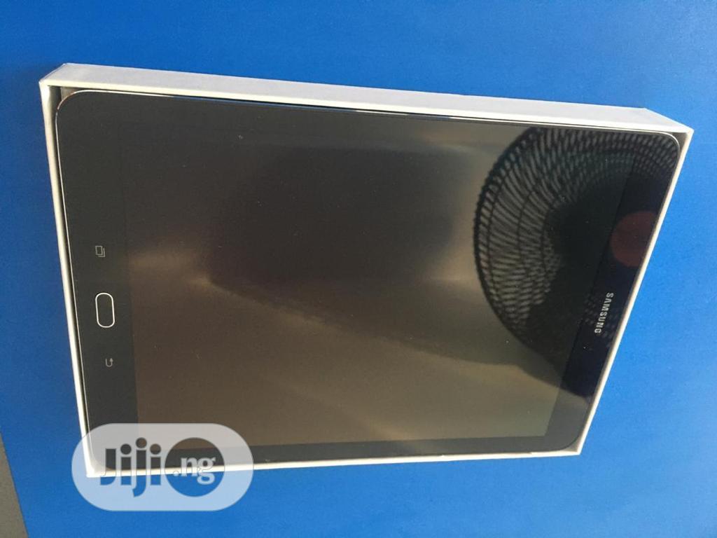 Archive: New Samsung Galaxy Tab S2 9.7 16 GB Black
