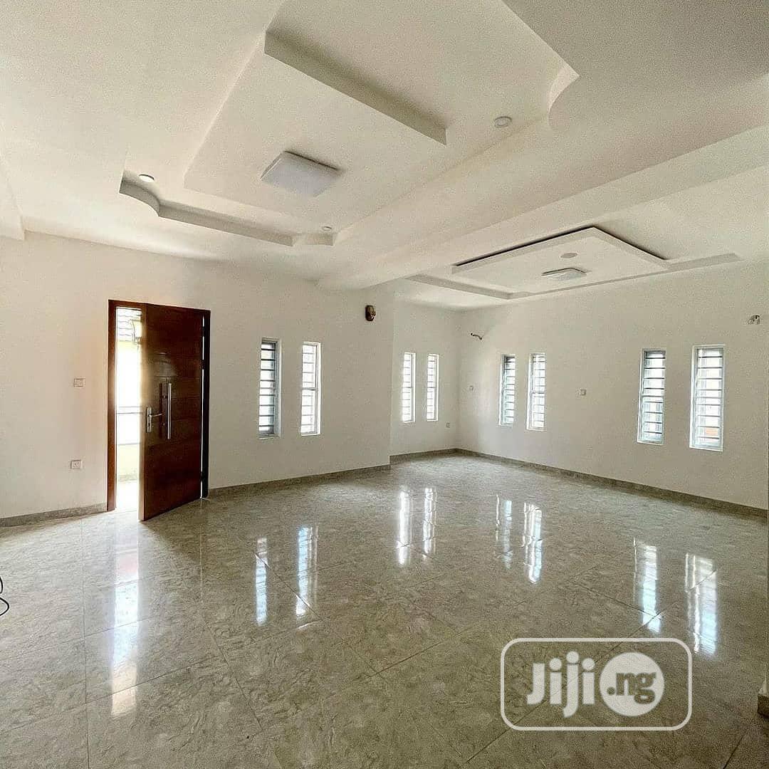 Archive: Massive 5 Bedroom Detached Duplex With Penthouse