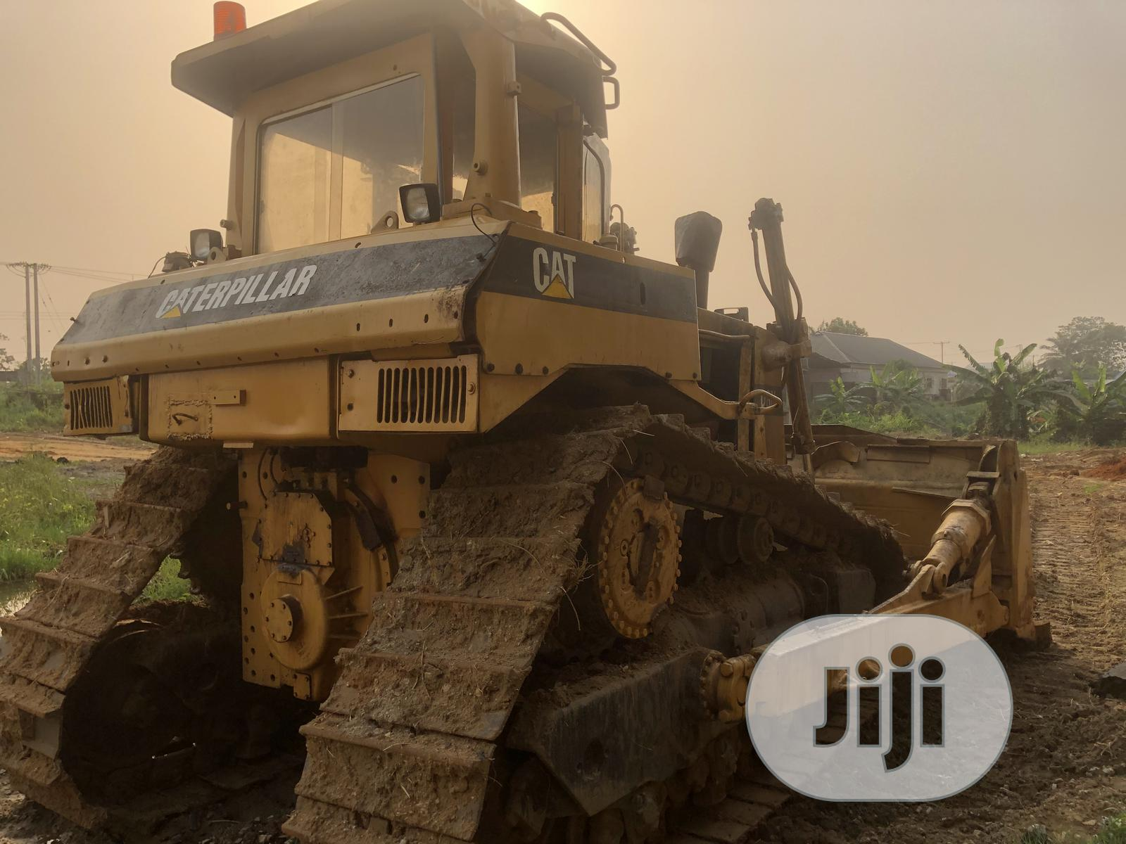 Archive: Cat Budozer D8N