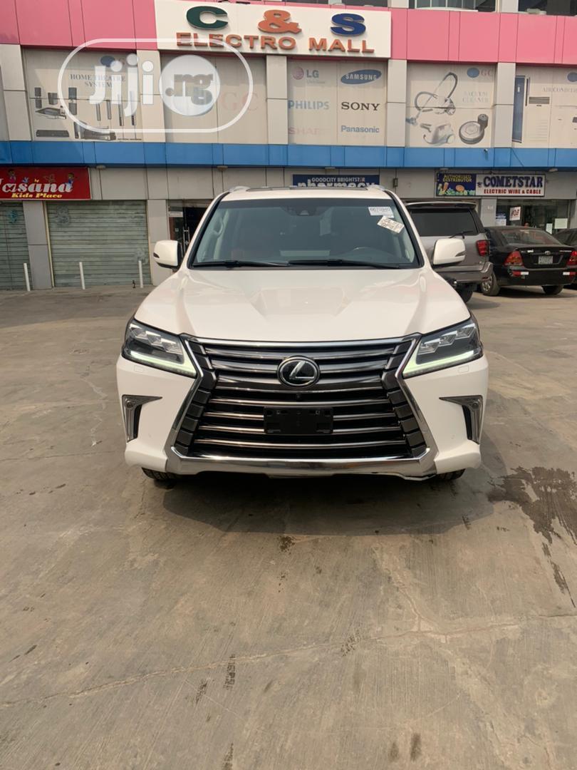Lexus LX 2018 White