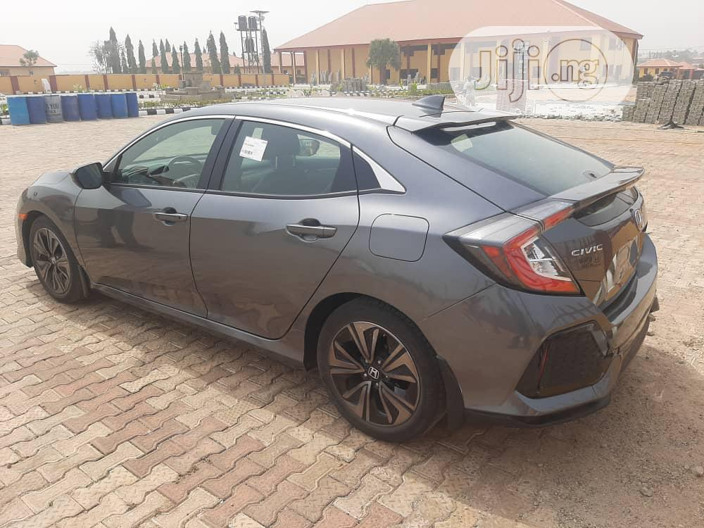 Honda Civic 2018 EX Hatchback Gray